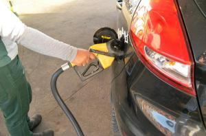 Aumento de imposto sobre combustível é estudado pelo Governo
