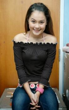 Pesona Gadis Montok Ibukota Jakarta