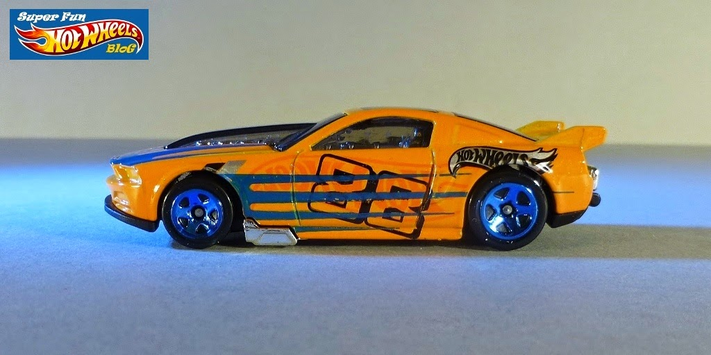13 Ford Mustang GT - Shop Hot Wheels Cars, Trucks & Race Tracks ...