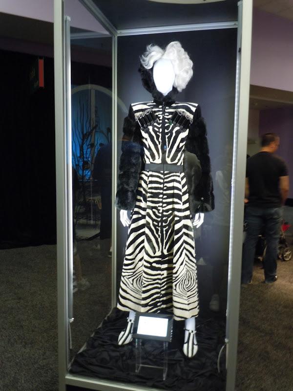 Cruella de Vil 101 Dalmatians zebra print costume