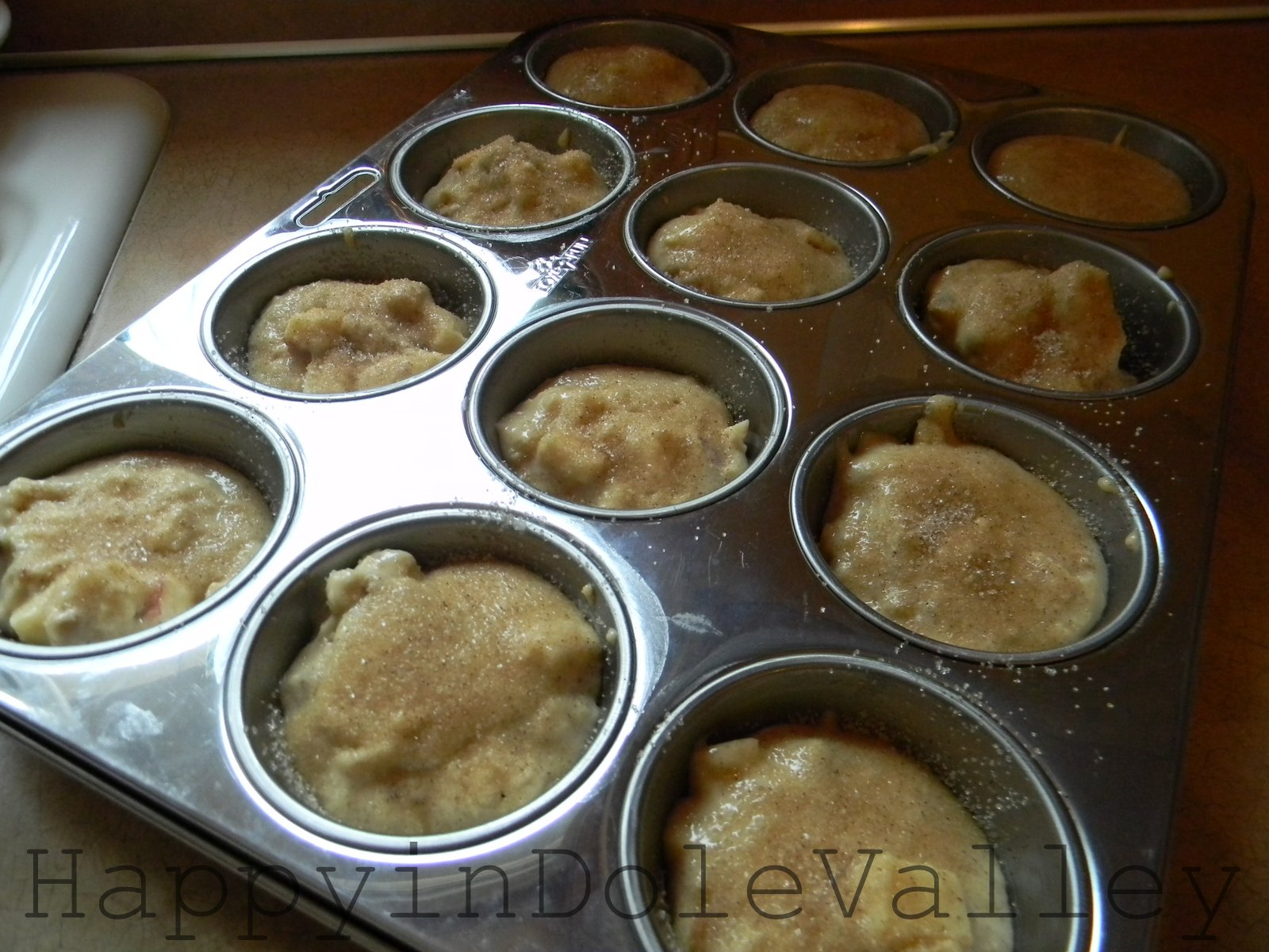 how to make apple walnut muffins