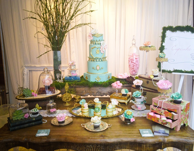 Vintage 1920's inspired wedding sweet table by Cupcake et Macaron Montreal