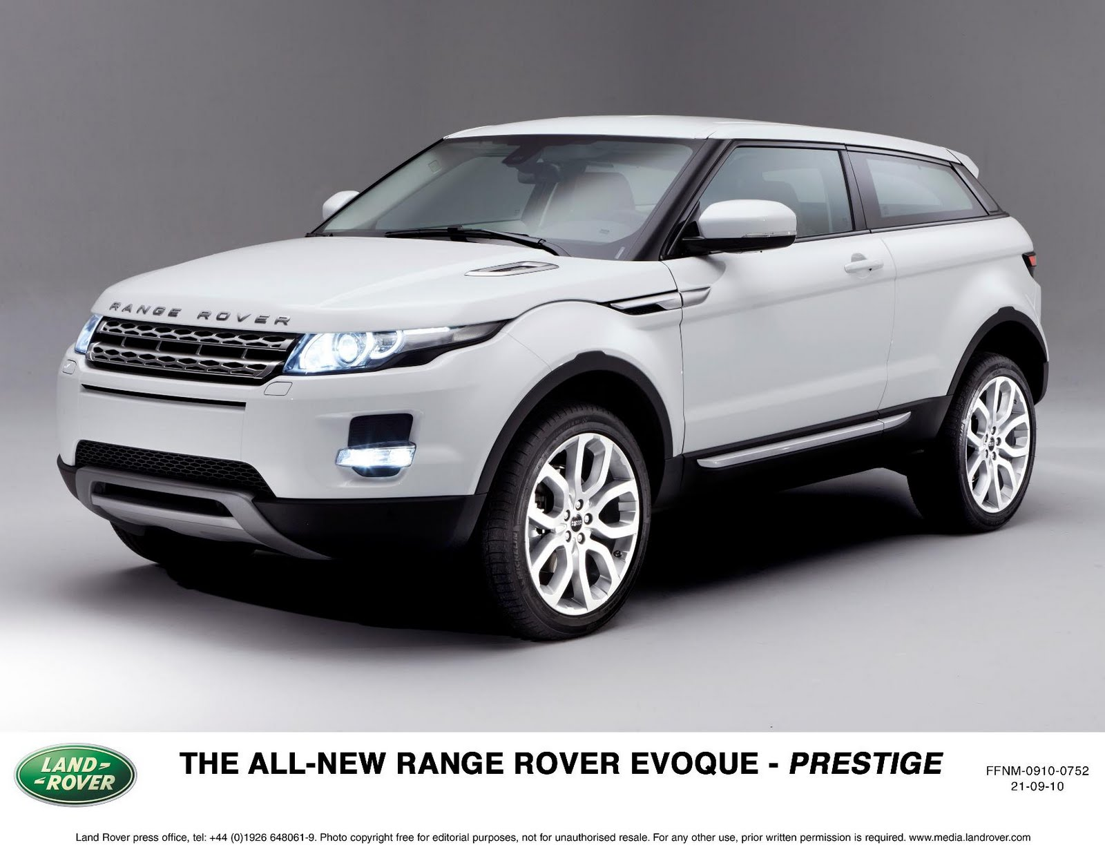 the all new range rover evoque the smallest lightest. Black Bedroom Furniture Sets. Home Design Ideas