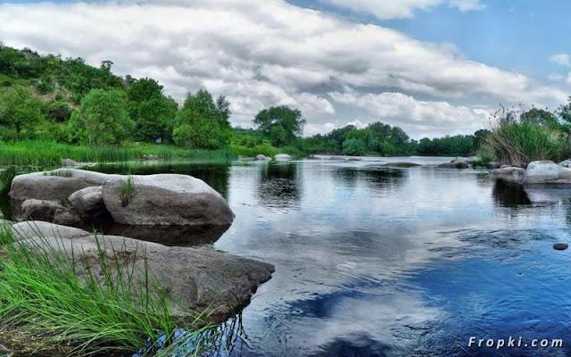 open minda pemandangan sungai yang cantik