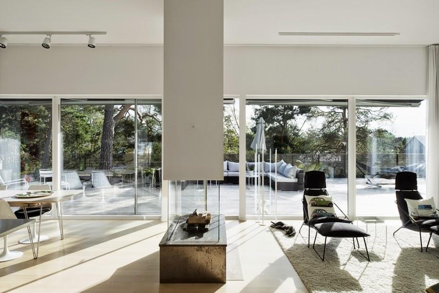 wystrój wnętrz, wnętrza, home decor, styl nowoczesny, nowoczesne wnętrza, białe wnętrza, salon, pokój dzienny, otwarta przestrzeń, kominek
