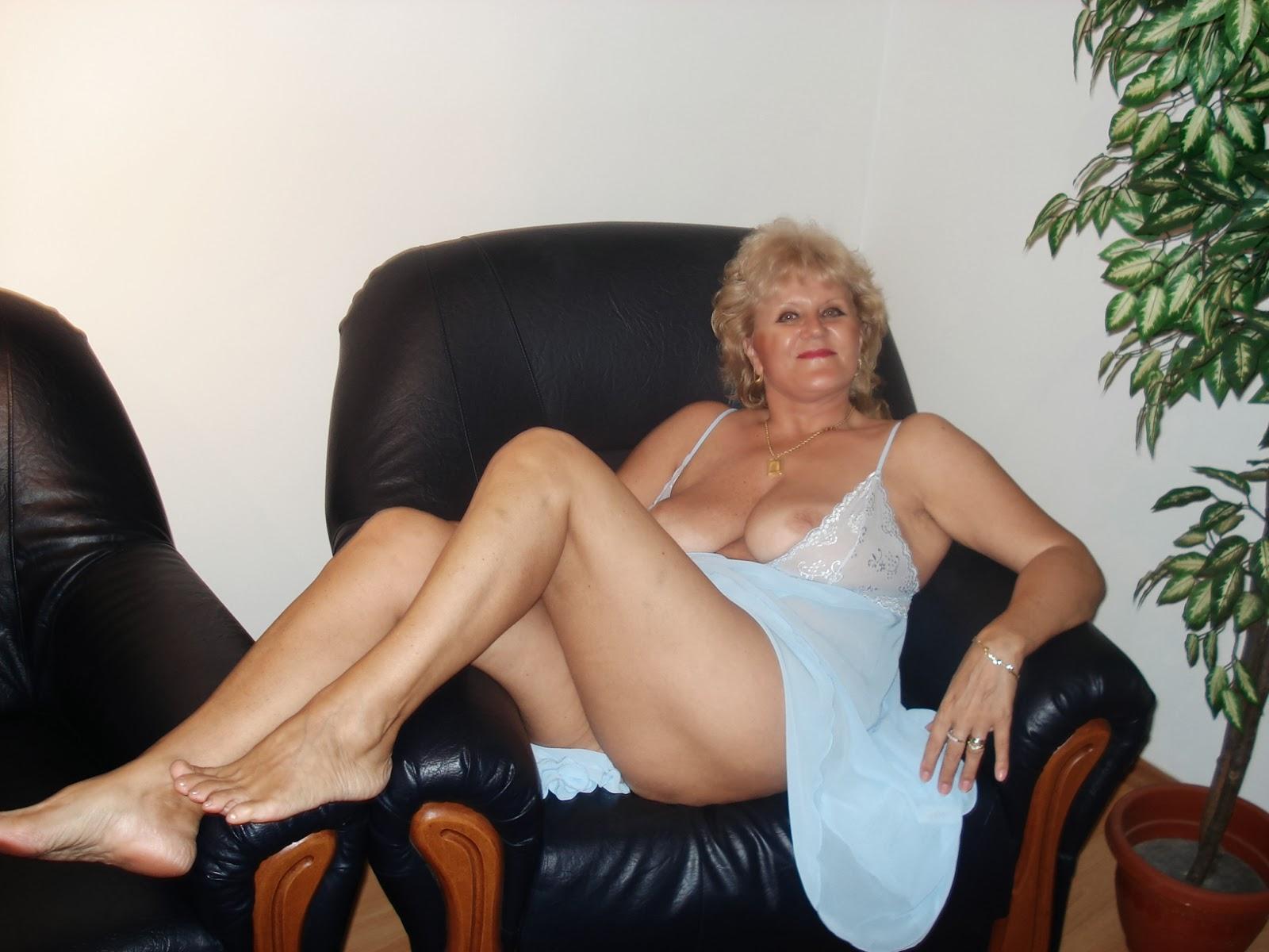 rich naked white women