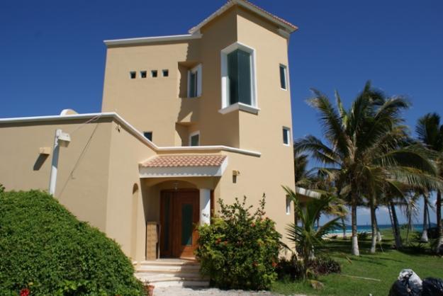 Fachadas de casas modernas fachada de casa moderna de playa for Fotos de fachadas de casas estilo californiano
