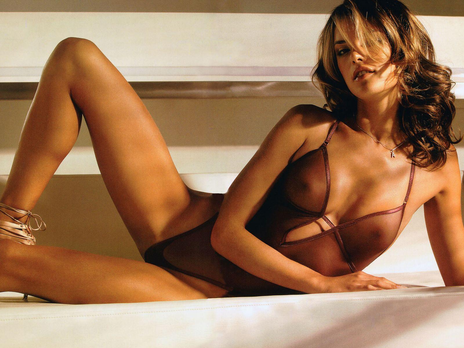 http://2.bp.blogspot.com/-IlduVSgsO_o/TzvGfk-aCXI/AAAAAAAALy0/zlYTgh_mngM/s1600/alessandra+ambrosio+hot+sexy+coolaristo+9.jpg