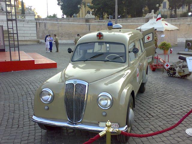 Gambar Mobil Ambulance 09