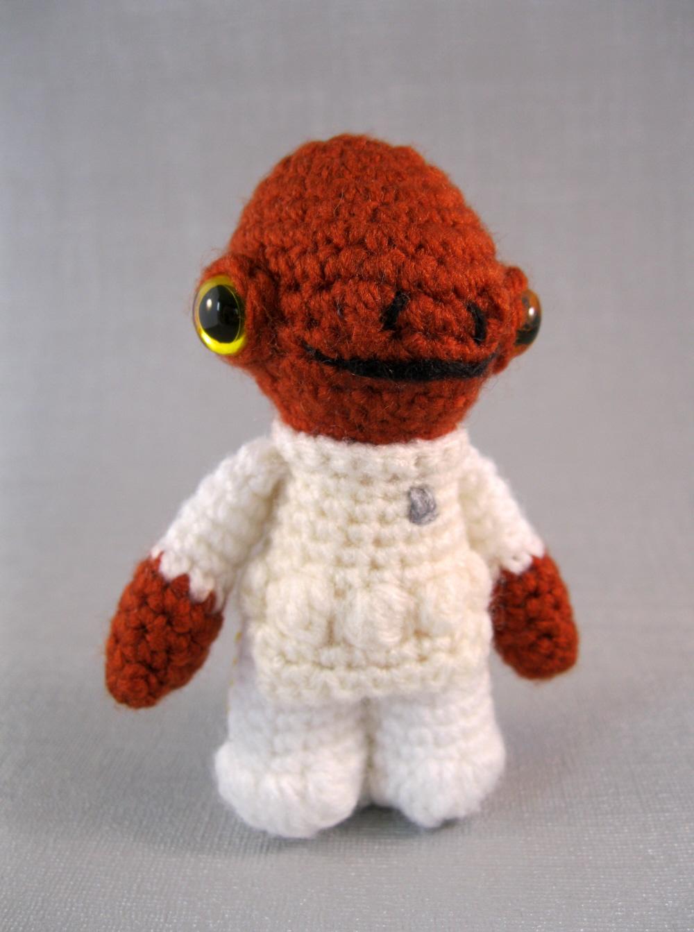 Amigurumi All Star : LucyRavenscar - Crochet Creatures: Admiral Ackbar amigurumi