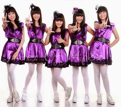 Violets Five - Kesan Pertama