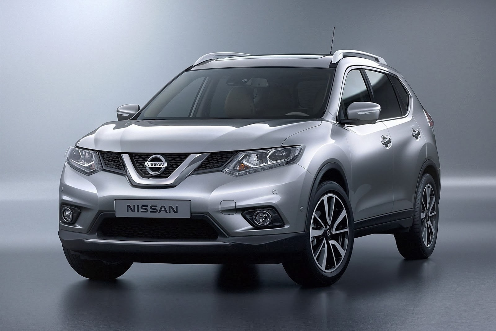 2014 Nissan Rogue For Sale >> Nissan X-Trail SUV in india 2015 |TechGangs