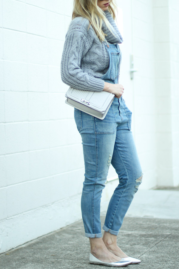grey sweater grey boxy handbag