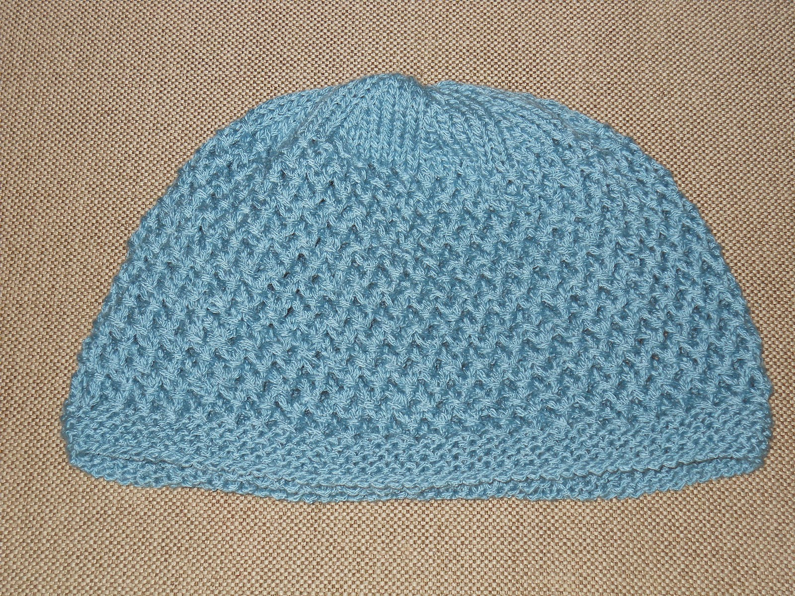 Knitting Patterns For Beginners Circular Needles : Knitting with Schnapps: The Tulle-Riffic Hat!