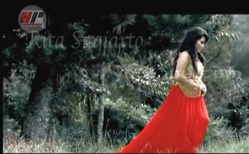 Download Koleksi Video Dangdut Rita Sugiarto 3gp