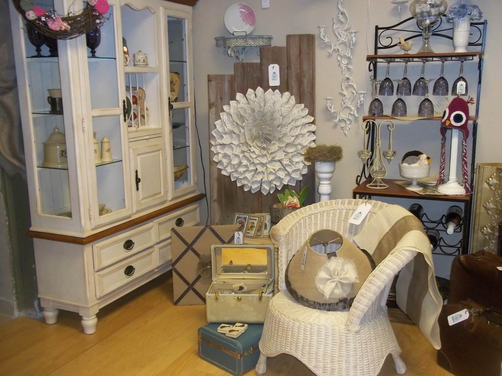 The Cutest Little Shop In The World Handmade Jewelry Cute And Quirky Home Decor From Breeze Boutique Just Adorable