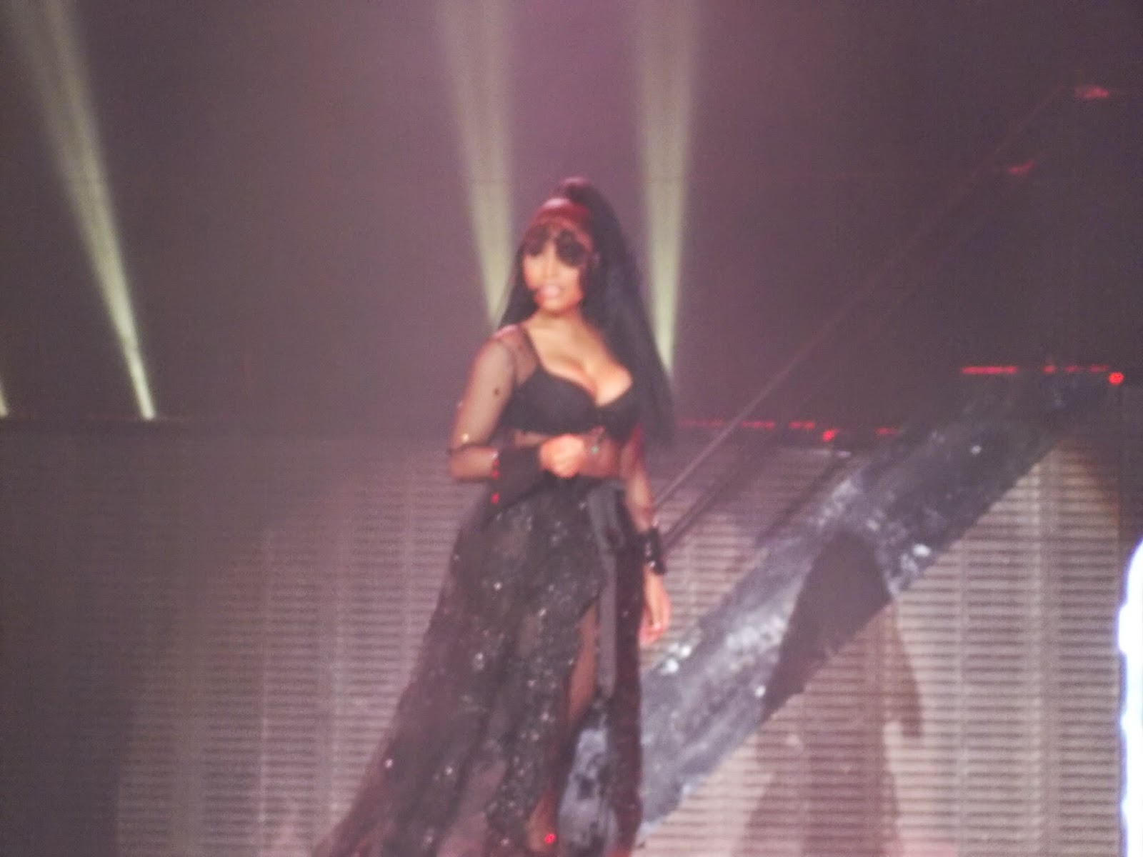 nicki minaj concert belfast april 2015 the pink print tour
