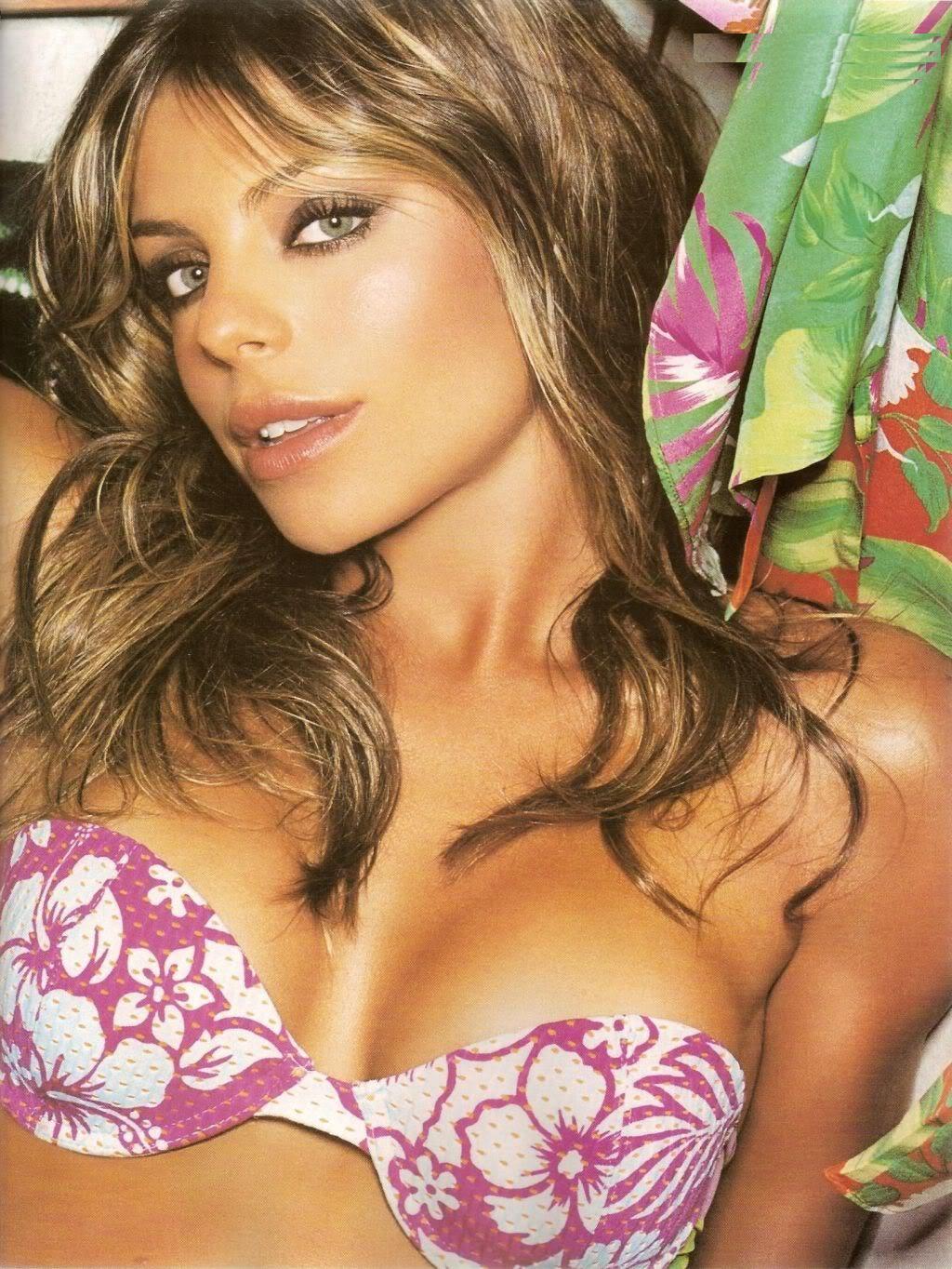 Daniela Cicarelli Nude Photos 89