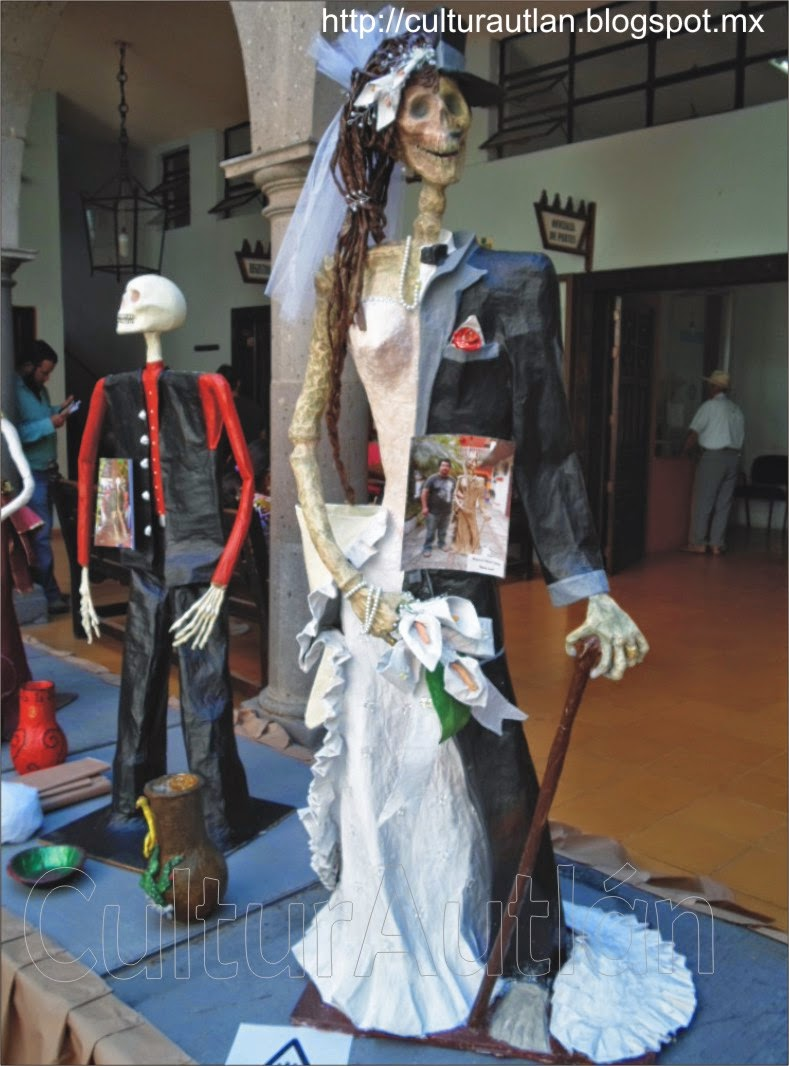 Exposición de catrinas en la Presidencia