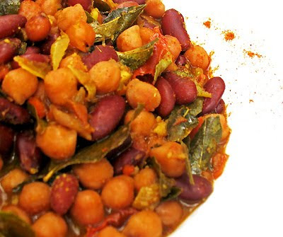 kidney bean chickpea curry