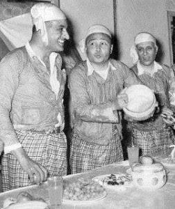 صورة نادرة للرئيس جمال عبدالناصر وهو يرتدي زي هندي