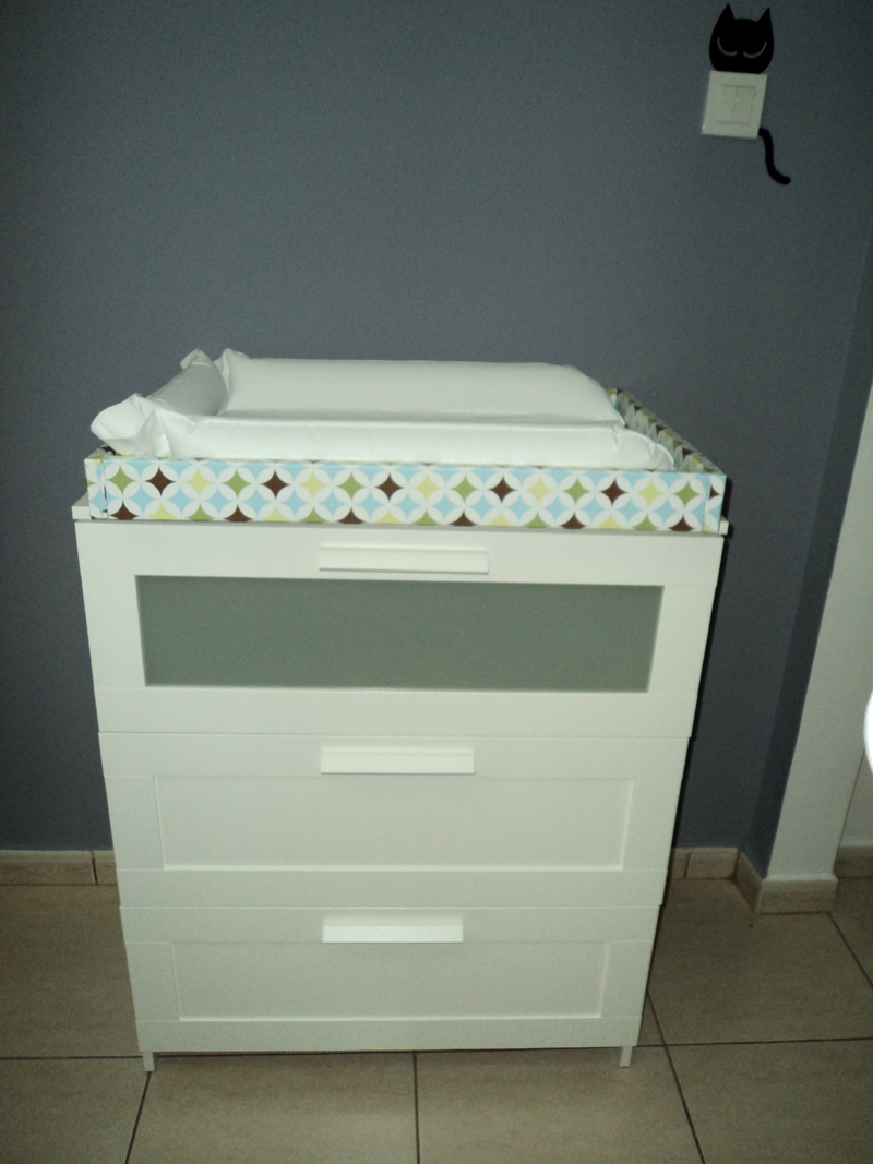 home baby changing table and dresser