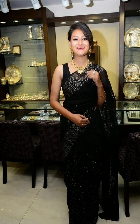 Nilofer in Saree At Hiya Jewellers Curtain Raiser Event