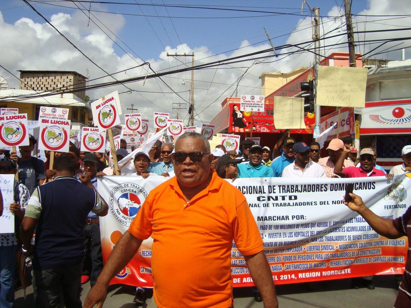 CNTD MARCHA EN NAGUA POR SOLUCIONES PROBLEMAS SOCIALES