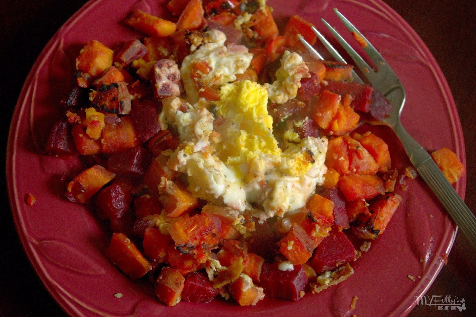 Crazy Ingredient Challenge- Egg Beet Hashbrown Skillet/ This and That #CIC #skilletbreakfast #breakfast #egg #beets