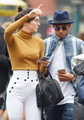 Kendall Jenner and Lewis Hamilton dating? 2C2911CF00000578-3229842-image-m-20_1441917183834
