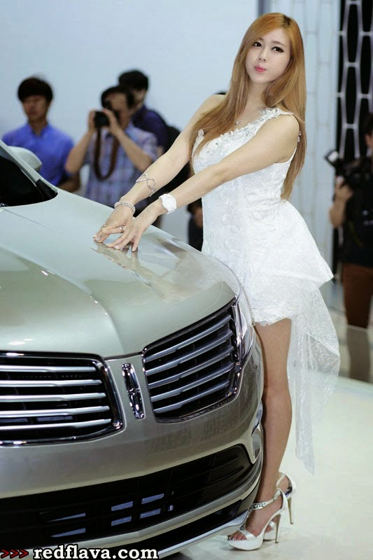 Sexy Kim Ha Yul 김 하 in Korean Car Show Models BIMOS 2014