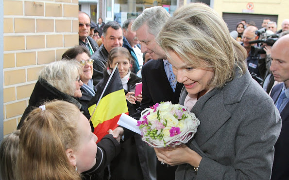 King Philippe And Queen Mathilde Visited The 'Resto Du Coeur'
