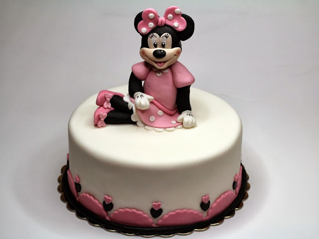 Disney Themed Cakes in London - Minnie Mouse Birthday Cake