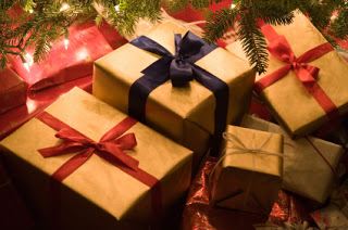 Parenting With a Smile: Christmas Gift-Giving