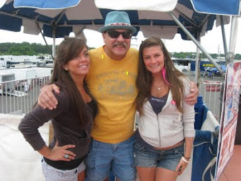 PAISANO WITH THE BUD BEER GIRLS @ ENGLISHTOWN 2011