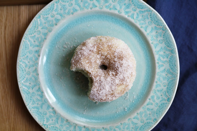 Baked Cinnamon + Sugar Donuts | Sevengrams