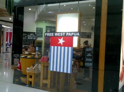 Toko Di Australia Ini Pasang Bendera Separatis Opm [ www.BlogApaAja.com ]