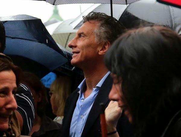 Argentina: Por primera vez, Macri aparece primero en la carrera presidencial
