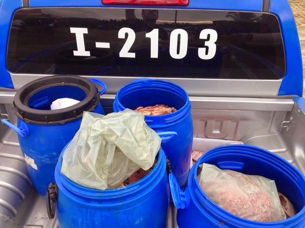 Uma tonelada de carne foi apreendida durante a operação (Foto: Divulgação/Polícia Civil)