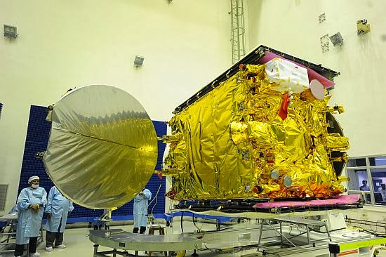 Close up view of GSAT-14 in clean room | Source: ISRO (topicswhatsoever.blogspot.com)