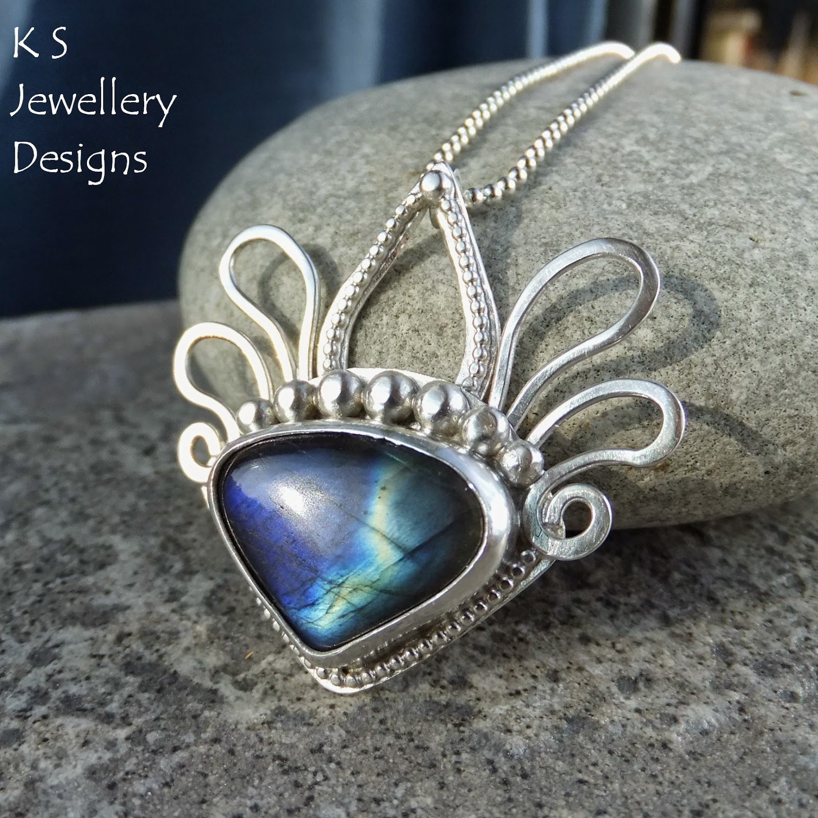 http://ksjewellerydesigns.co.uk/ourshop/prod_3689901-Labradorite-Sterling-Silver-Pendant-Decorative-Headdress.html