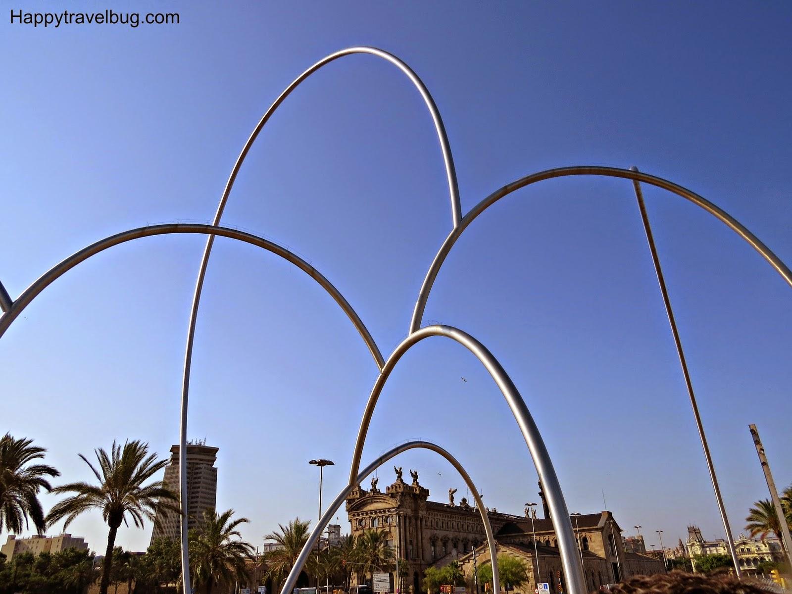 Onades (Waves) by Andreu Alfaro: sculpture in Barcelona, Spain