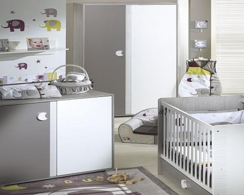 Décoration chambre bébé gris et blanc