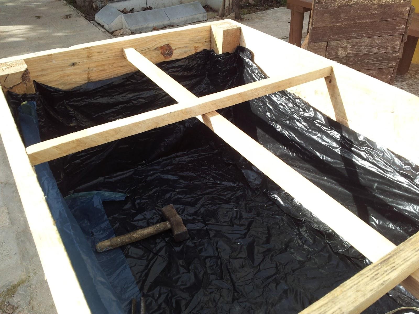 Ecowerto tu blog sobre la huerta ecol gica bricolaje for Como hacer una mesa de cultivo casera