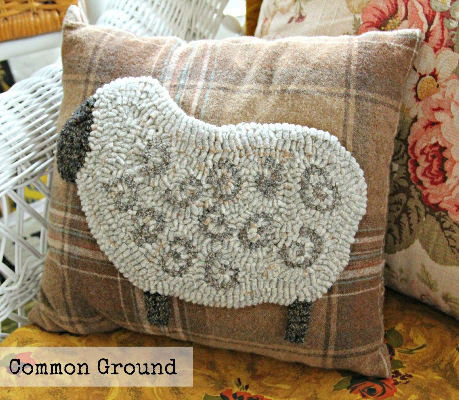 Common ground hooked on wool pillows for fall - Como decorar un cojin ...