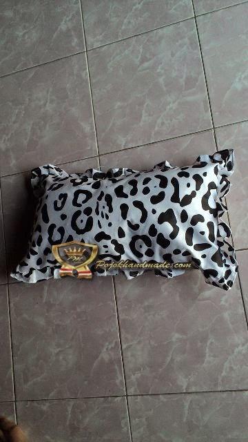 BAntal Bayi Motif Leopard Handmade Pojokhandmade.com Jogja
