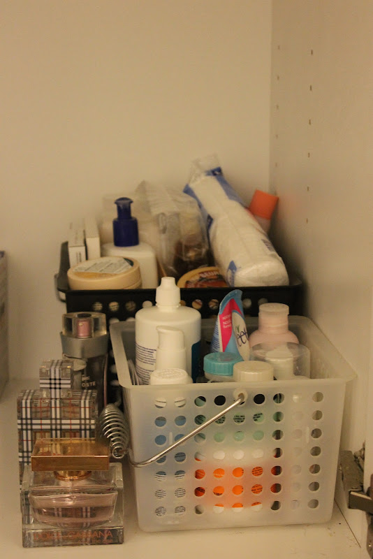 Organize It: Bathroom Cabinets! title=