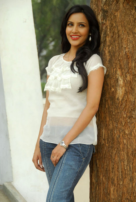 priya annew test glamour  images