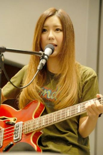 SCANDAL at Uniqlo x Fender Launch 2012 Tomomi2