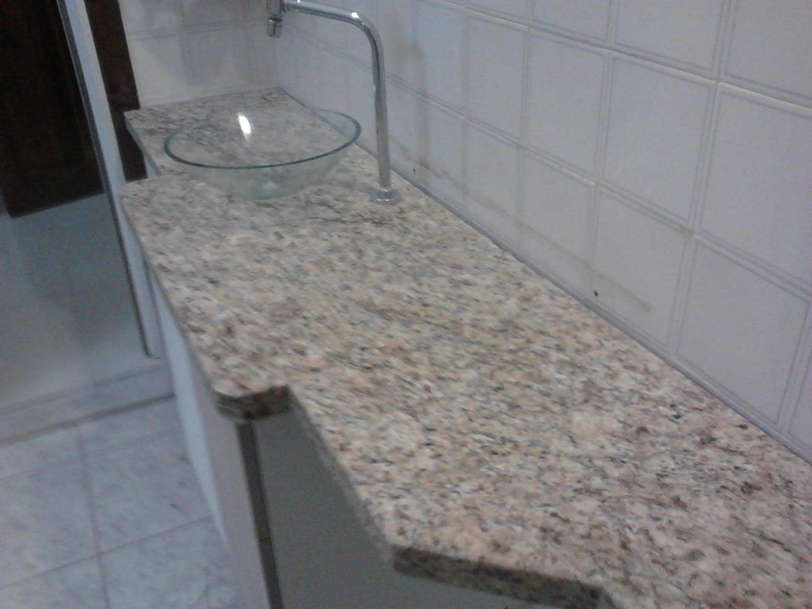 Bancada lavatorio em granito Amarelo Ornamental VL e cuba de vidro; #6F645C 1600x1200